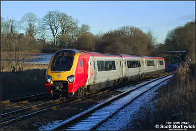 220033 'Fife Voyager' approaches Whitacre Junction with a diverted Virgin Cross Country service on 05/01/2003.