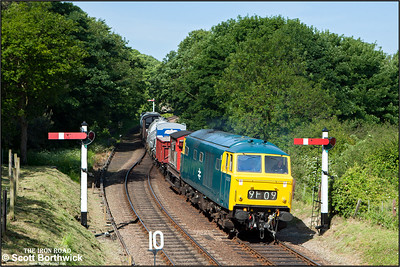 D7076 approaches Weybourne with a short mixed freight on 11/06/2015. (Photo taken with camera mounted on a pole & remotely triggered)