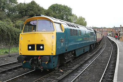 D1023 'Western Fusilier' stands at Bridgnorth prior to working the 1534 Bridgnorth-Kidderminster service on 01/10/2004.