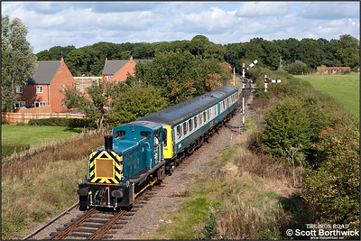 03170 drags DMU 51131/51321 forming the 1200 Shackerstone-Shenton at Market Bosworth on 25/09/2005 during the Battlefield Line's September Diesel Gala.