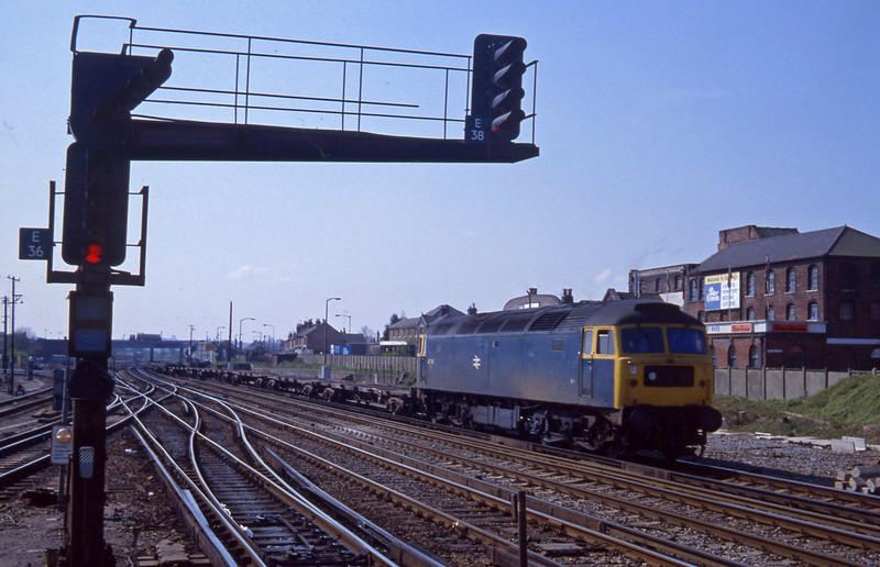 47136, up flats, Eastleigh, 14-4-82.