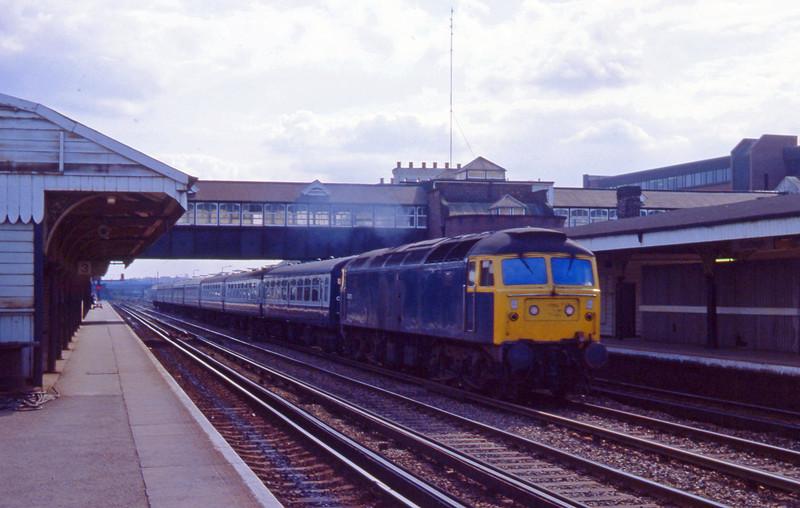 47475, up passenger, Eastleigh, 13-4-82.