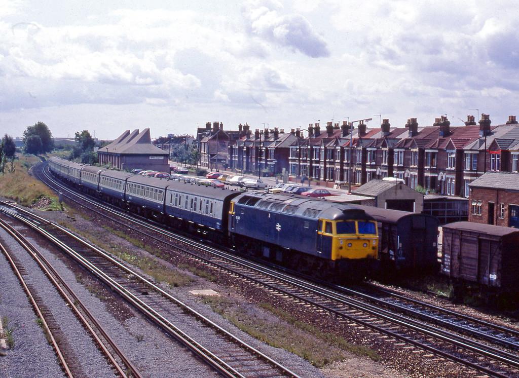 47485, up passenger, Eastleigh, 20-8-82.