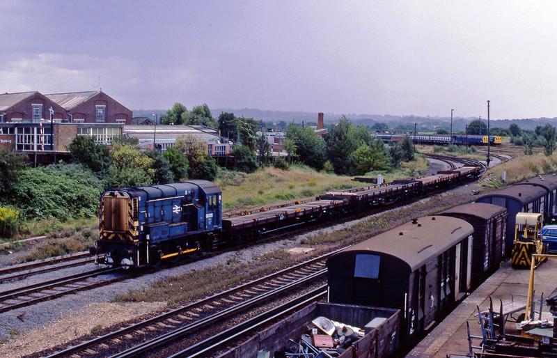 08202, shunting, Eastleigh TMD, 20-8-82.