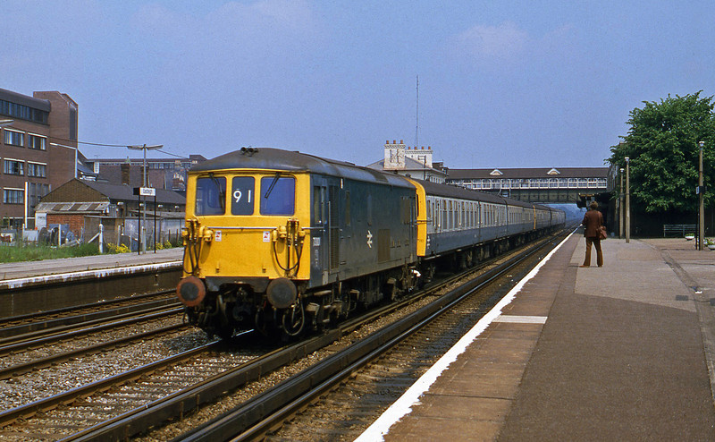 73001, down units, Eastleigh, 1-6-82.