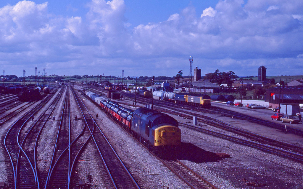 37227, northbound steel, Severn Tunnel Junction, 22-9-87.