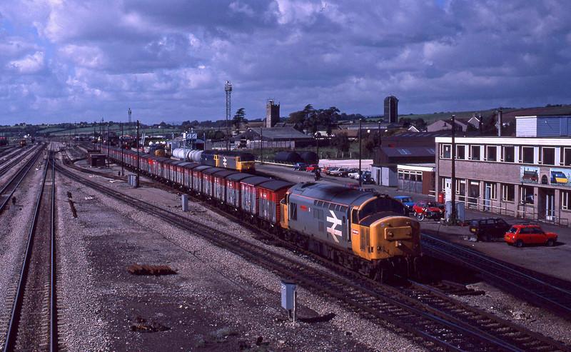 37901, northbounds vans, Severn Tunnel Junction, 22-9-87.