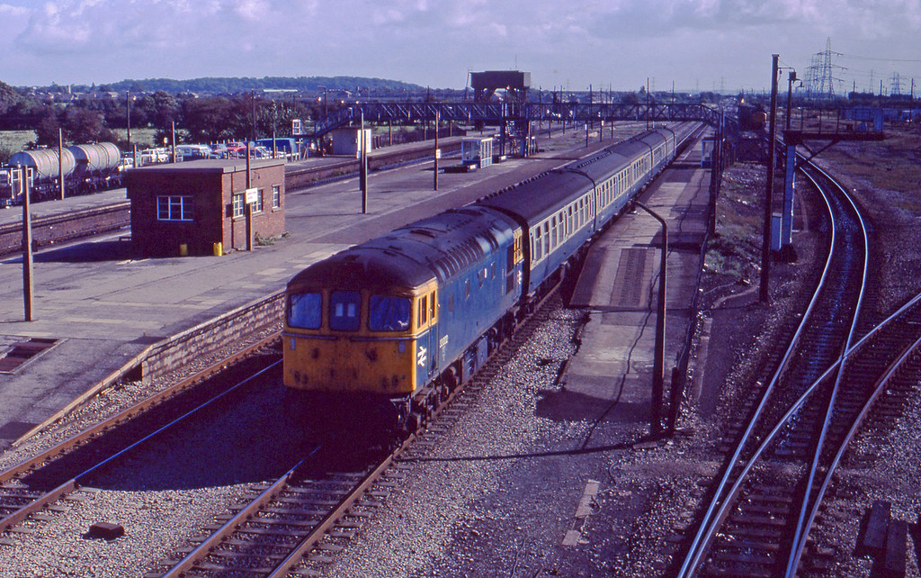 33002, Bristol Temple Meads-Cardiff Central, Severn Tunnel Junction, 22-9-87.