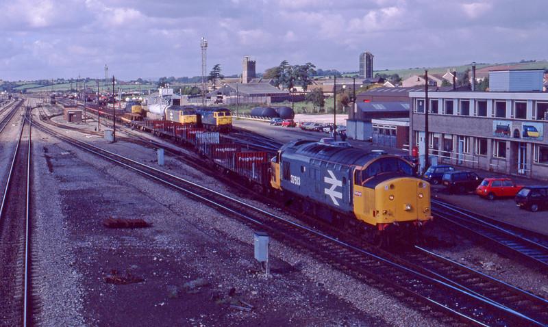 37513, northbound freight, Severn Tunnel Junction, 22-9-87.
