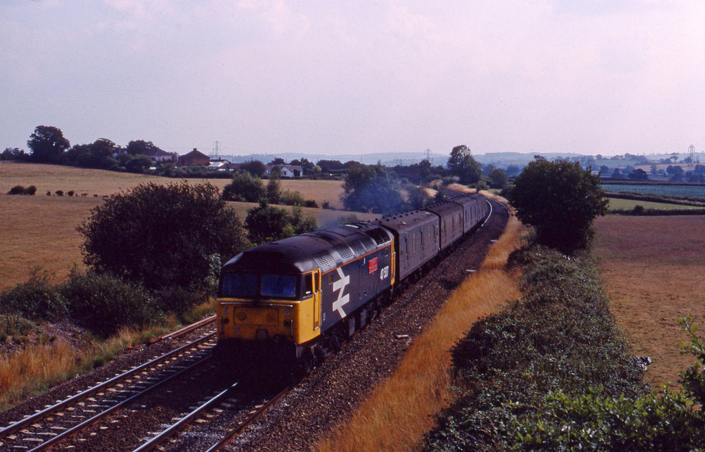 47537, 14.28 Plymouth-Newcastle vans, Willand, near Tiverton, 8-8-89.