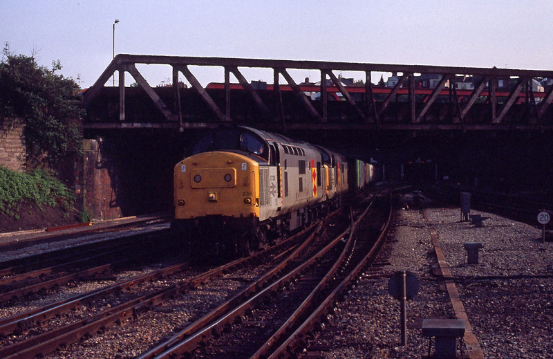 37238/37272, up freight, Newport, 26-5-92.