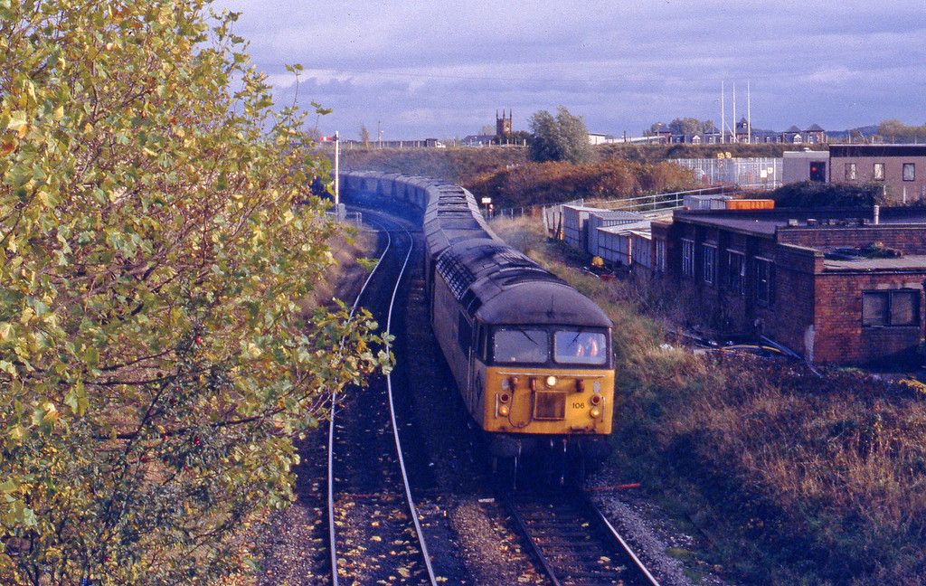 56106, westbound coal,  Warrington,28-10-92.