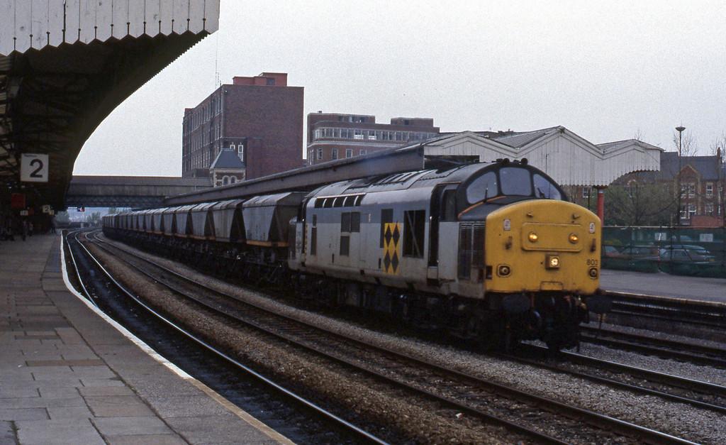 37803, down coal empties, Newport, 27-4-93.