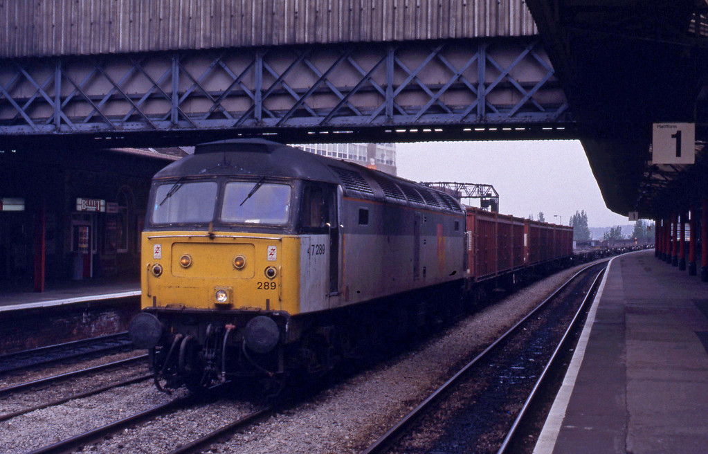 47289, down containers, Newport, 27-4-93.