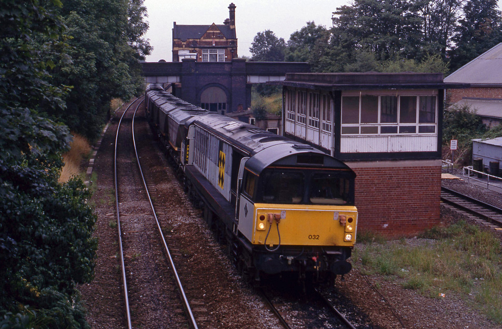58032, eastbound mgr empties, Water Orton, 17-8-93.