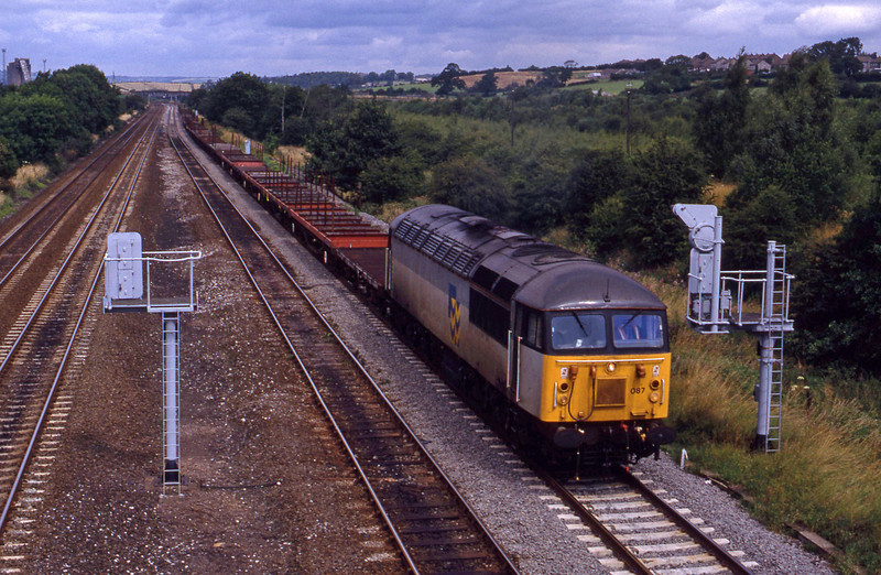 56087, up steel empties, Clay Cross, near Chesterfield, 28-7-93.