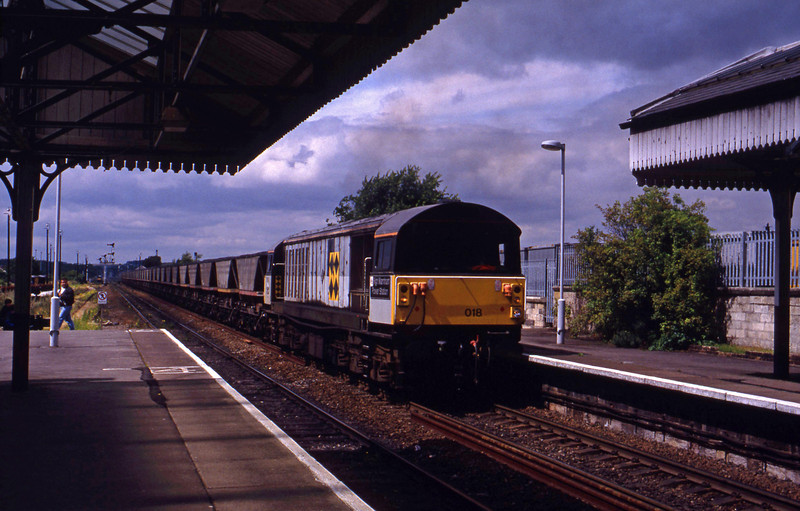 58018, eastbound mgr, Worksop, 28-7-93.