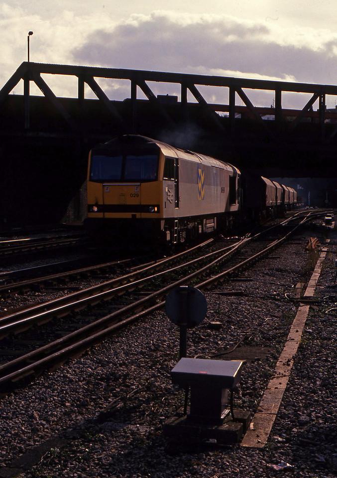 60029, up steel, Newport, 7-10-93.