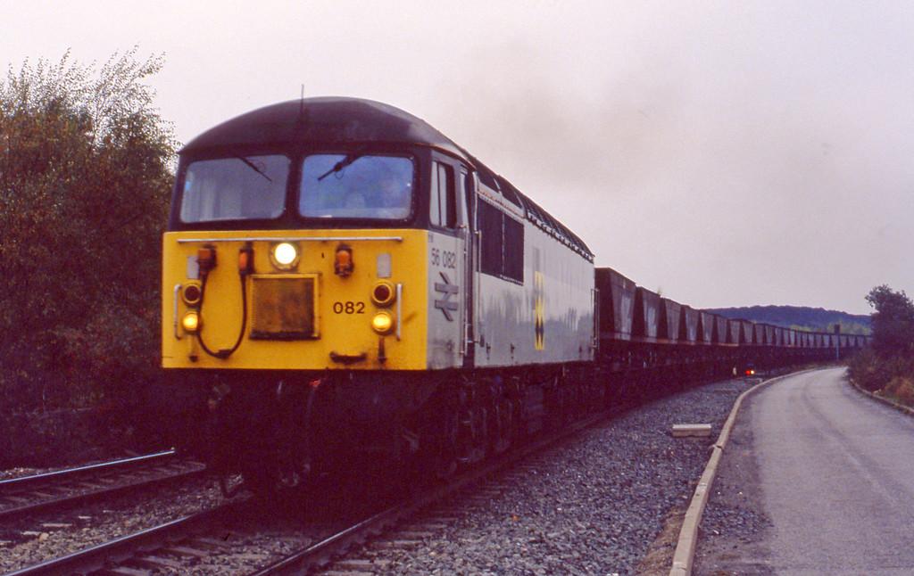 56082, mgr, departing Gascoigne Wood, 27-10-93.