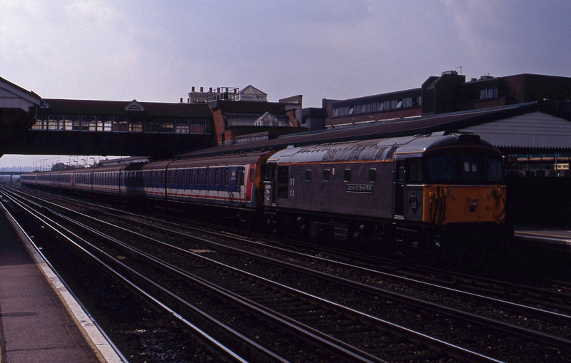 33109, up ecs, Eastleigh, 2-9-93.