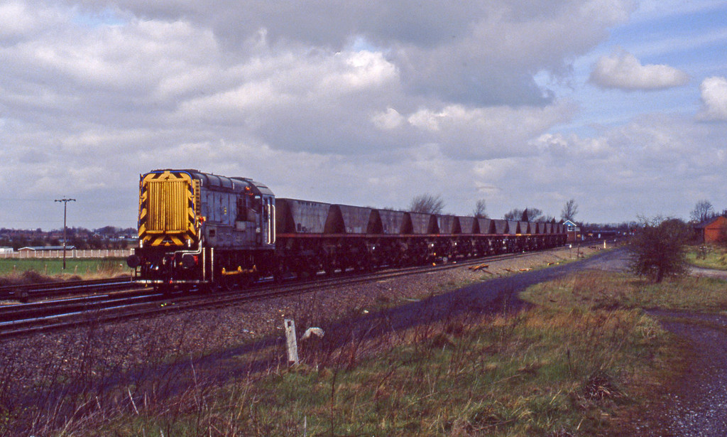 09005, up mgr empties, Monk Fryston, 6-4-94.