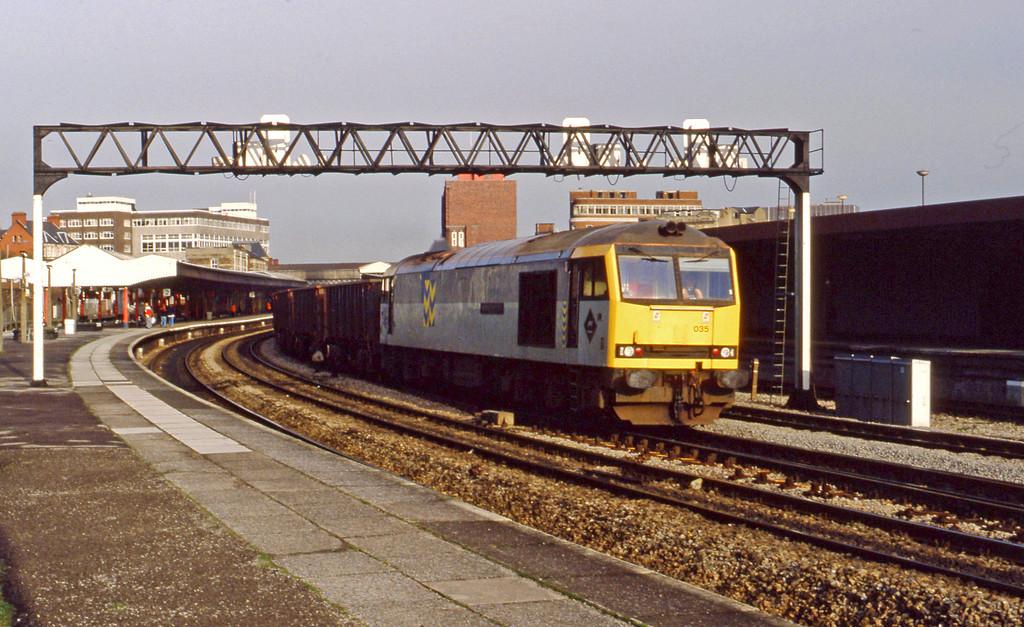 60035, down ore empties, Newport, 2-2-94.