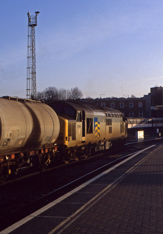 37890, down tanks, Bristol Temple Meads, 2-2-94.