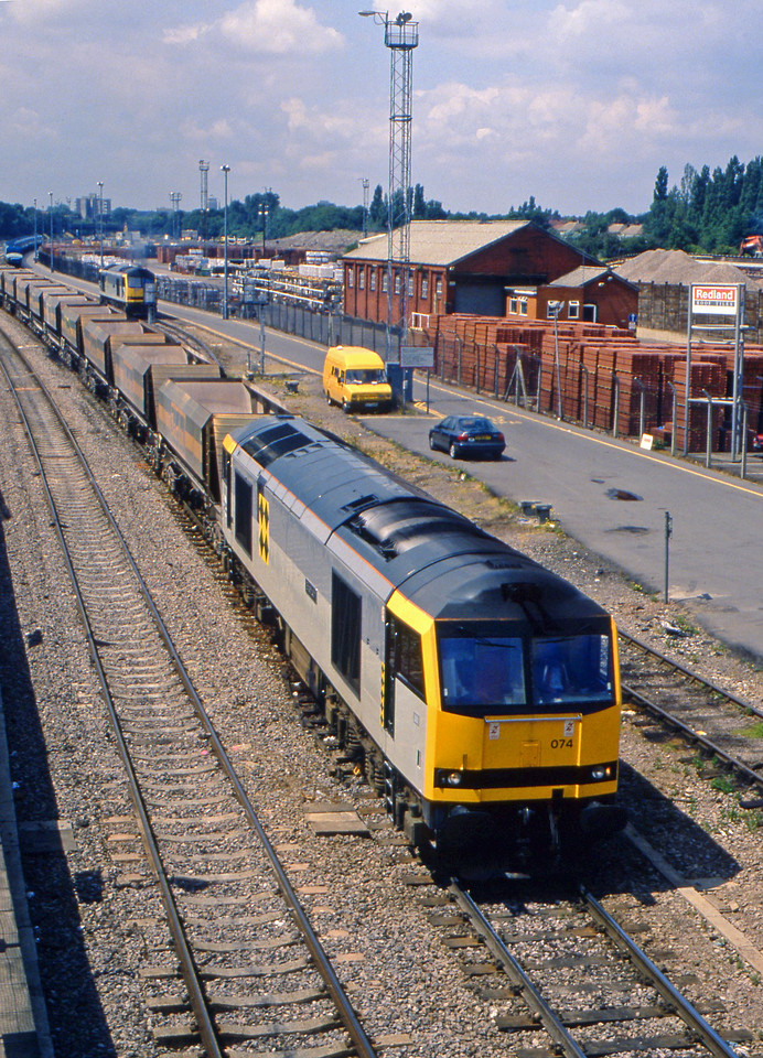 60074, up stone empties, Acton, West London, 7-7-94.