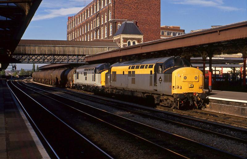 37197/37689 (dead), down tanks, Newport, 14-7-94.