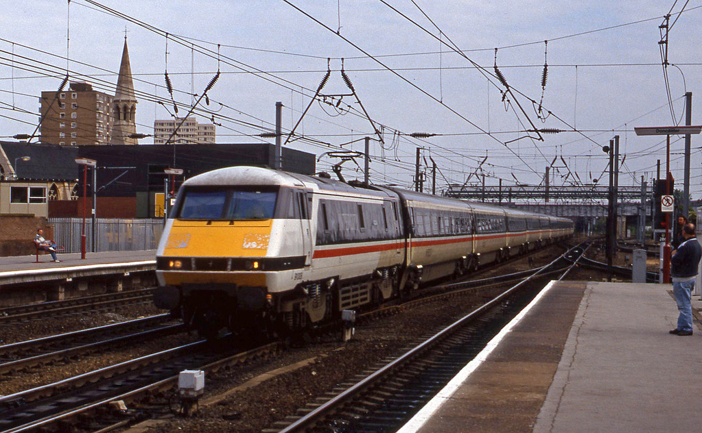 91008, London King's Cross-Newcastle, Doncaster, 23-6-94.