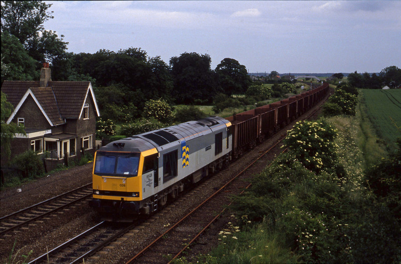 60028, westbound ore, Melton Ross, 23-6-94.