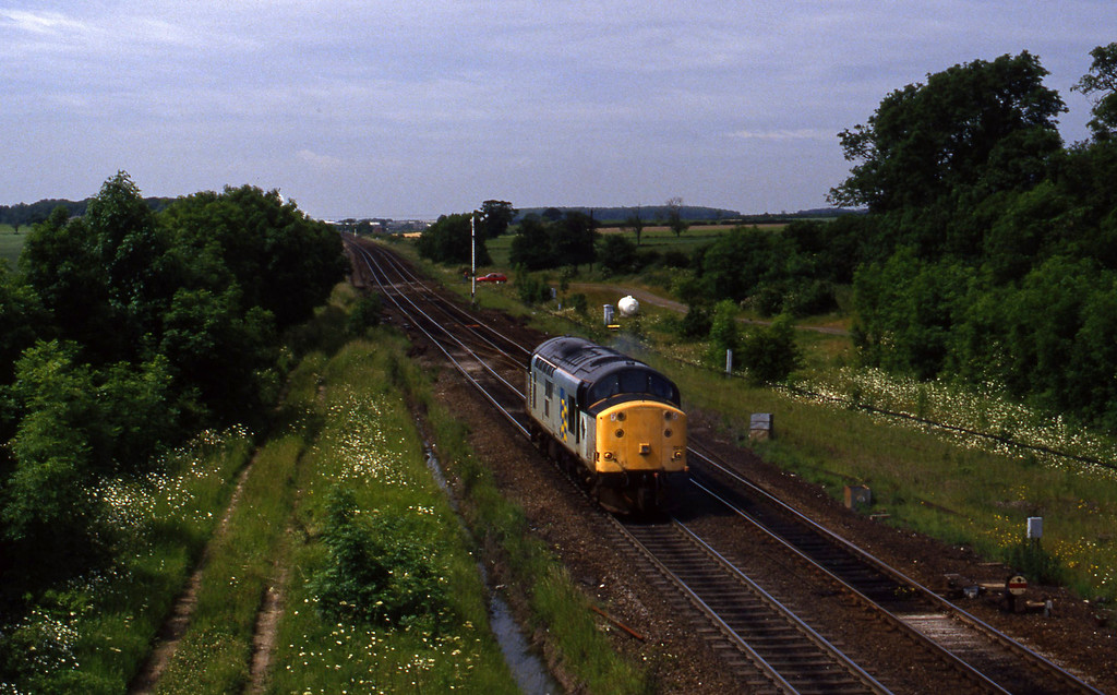 37707, westbound light, Brocklesby, 23-6-94.