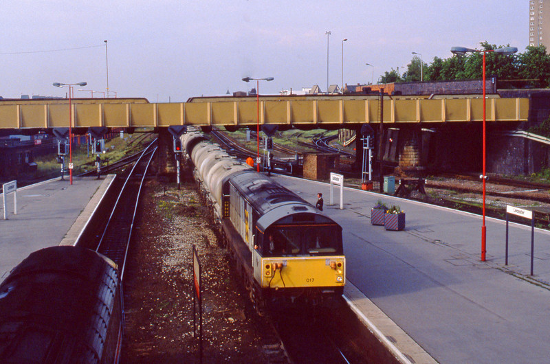 58017, up cement tanks, Leicester, 2-6-94.