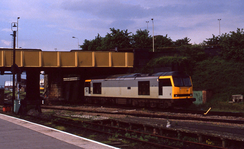 60087, stabling, Leicester, 2-6-94.