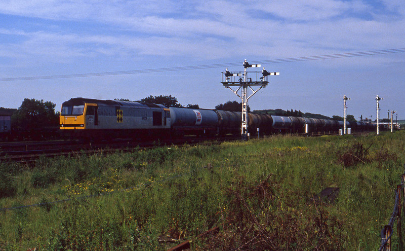 60091, westbound tanks, Wrawby Junction, Barnetby, 23-6-94.