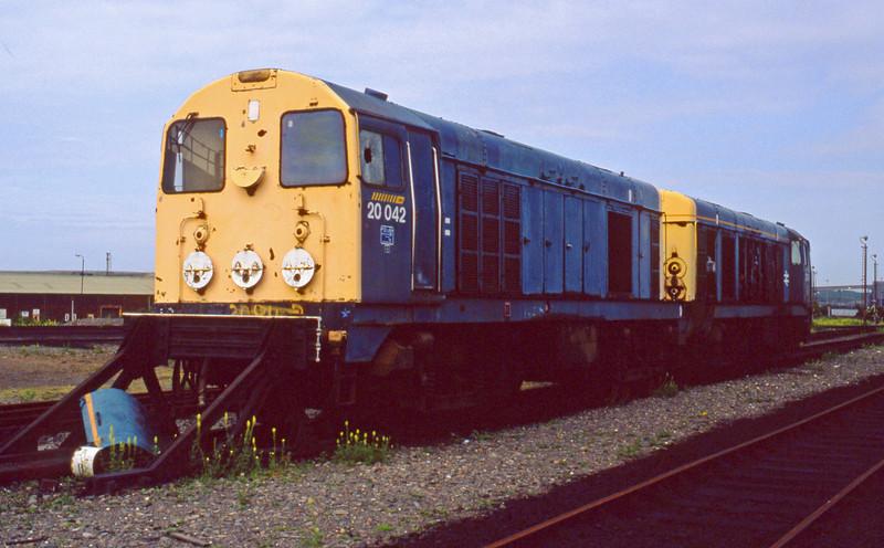 20042/20043, stored, Frodingham, 23-6-94.