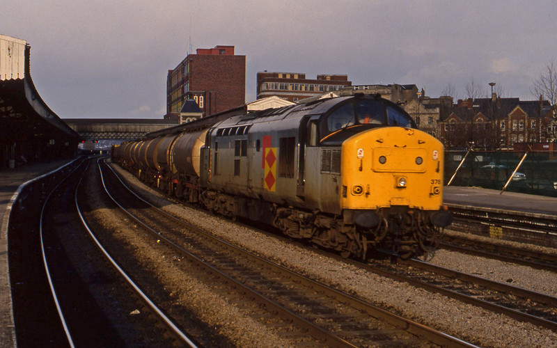37378, down tanks, Newport, 16-3-94.