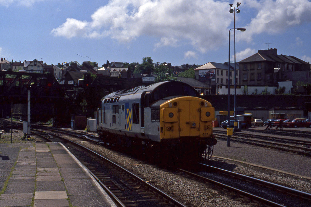 37037, down light, Newport, 12-5-94.