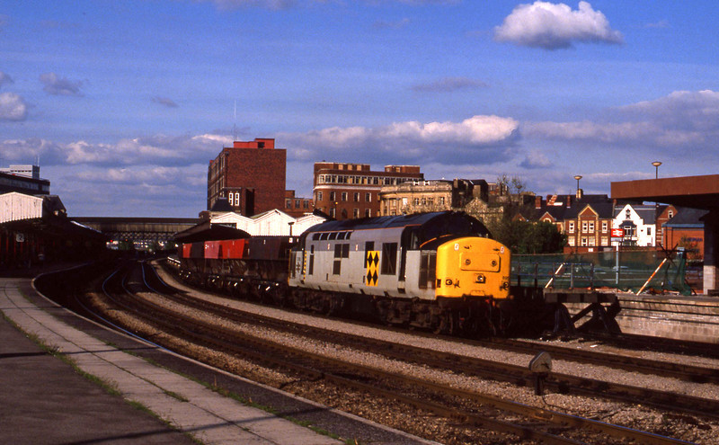 37895, down coal wagons, Newport, 12-5-94.