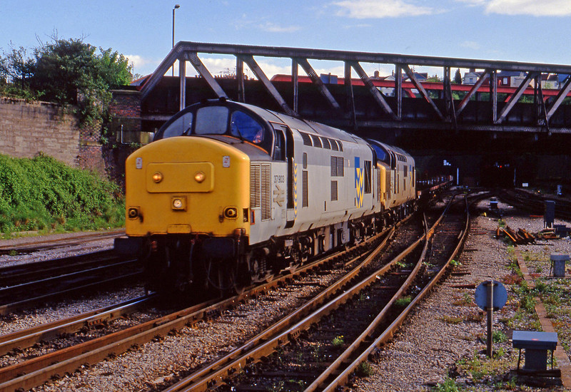 37903/37904, up steel, Newport, 12-5-94.