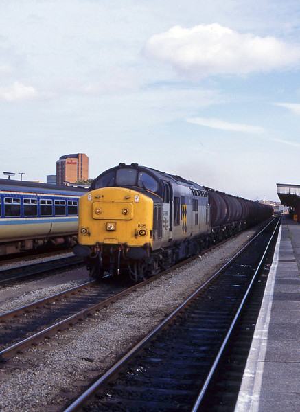 37895, down tanks, Cardiff Central, 6-10-94.