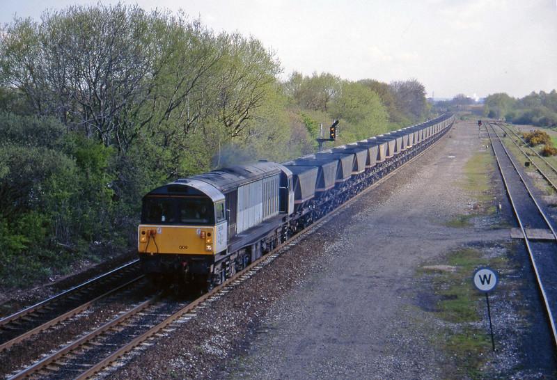 58009, Toton Yard-Coalfields mgr empties, Stenson Junction, near Derby, 21-4-95.
