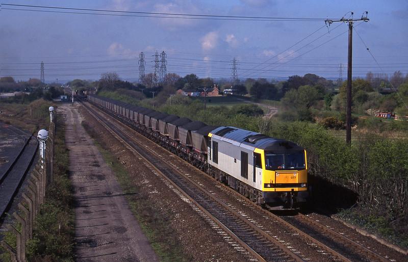 60077, Coalfields-Willington Power Station, Stenson Junction, near Derby, 21-4-95.