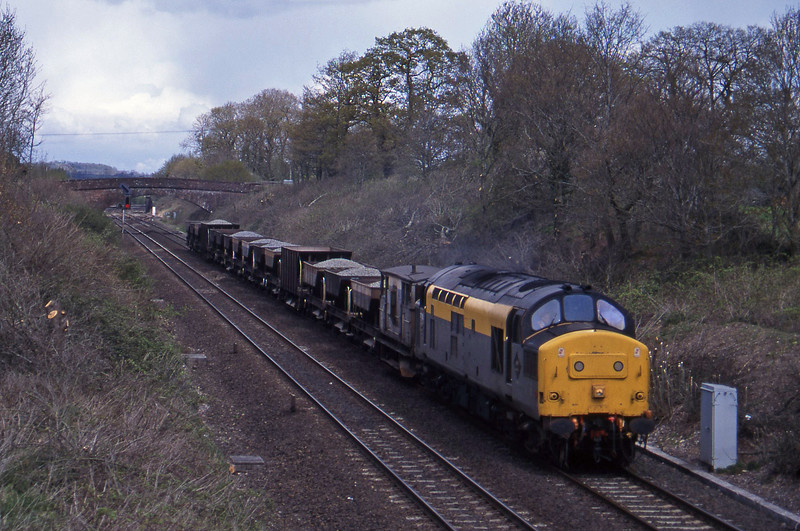 37258, down ballast, Willand, near Tiverton, 19-4-95.