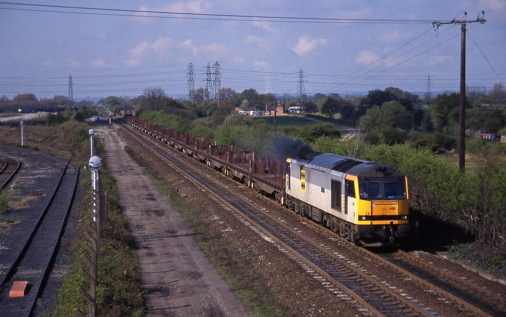 60090, Etruria-Tees Yard, Stenson Junction, near Derby, 21-4-95.