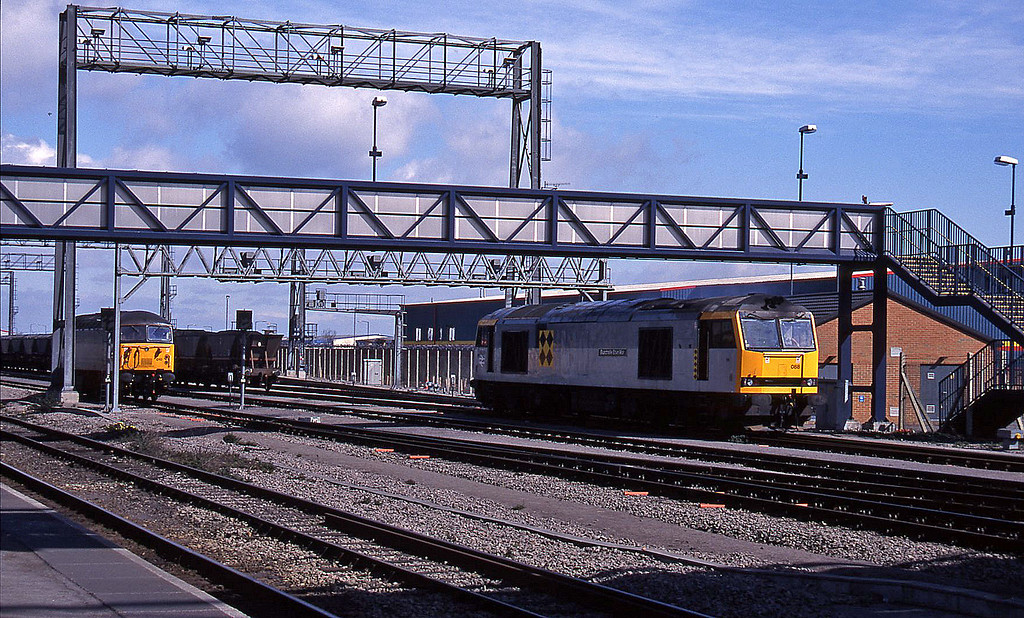 60088, 56010, running rounds mgrs, Avonmouth St Andrew's Road, 7-4-95.