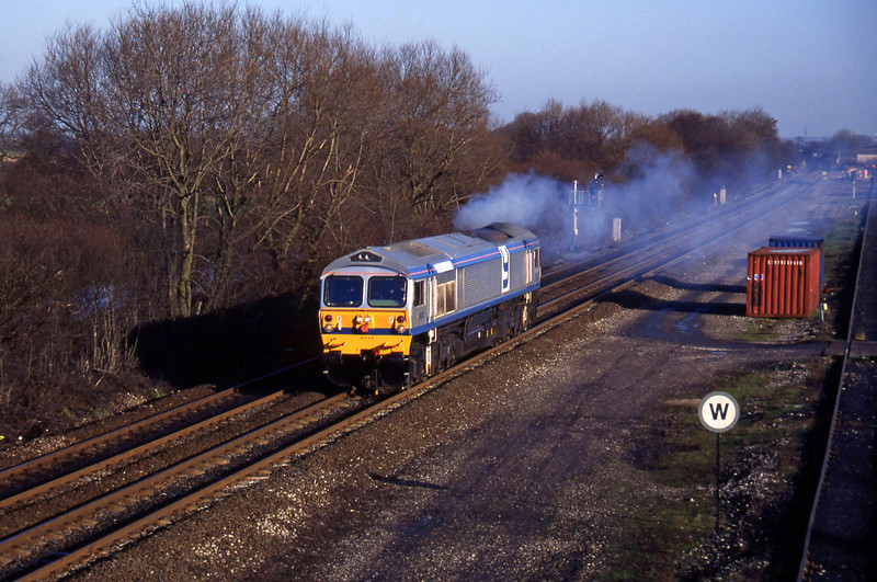 59004, light, north to south, Stenson Junction, near Derby, 6-1-95.