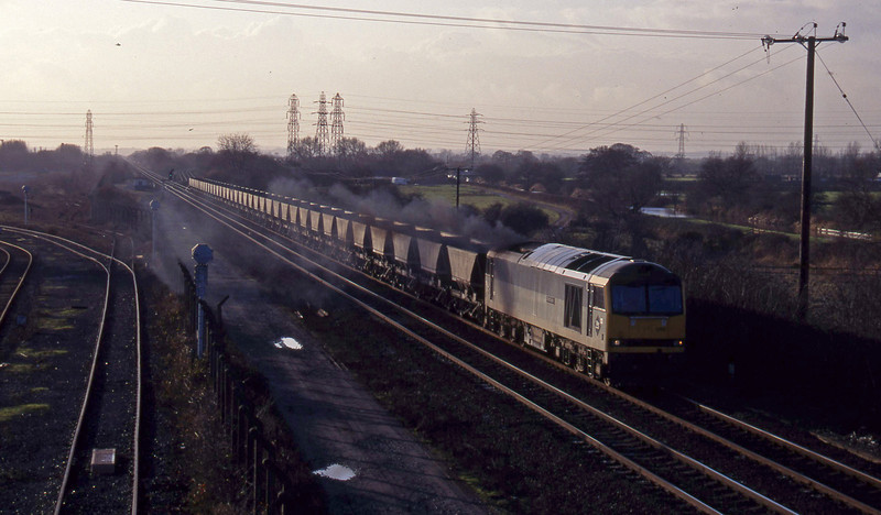 60006,mgr empties, south to Sheet Stores line, Stenson Junction, near Derby, 6-1-95.
