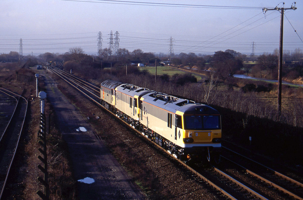 47206/92021/92022, from Sheet Stores line to Stoke line, Stenson Junction, near Derby, 6-1-95.