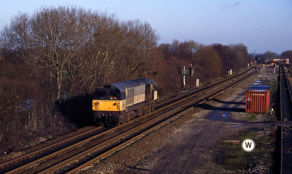 58013, light, south to Sheet Stores line, Stenson Junction, near Derby, 6-1-95.